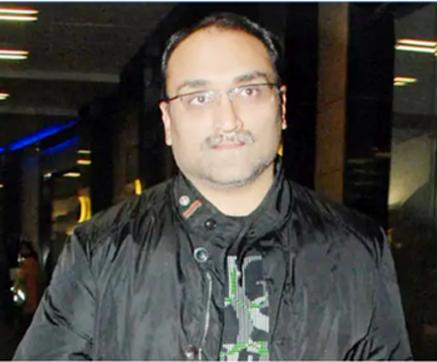 آدتیہ چوپڑہ اب شاہ رخ خان کے ساتھ فلم بنائیں گے