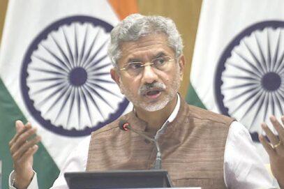 بھارت کے وزیر خارجہ ایس جے شنکر نے چینی وزیرخارجہ سے فون پر75منٹ گفتگوکی